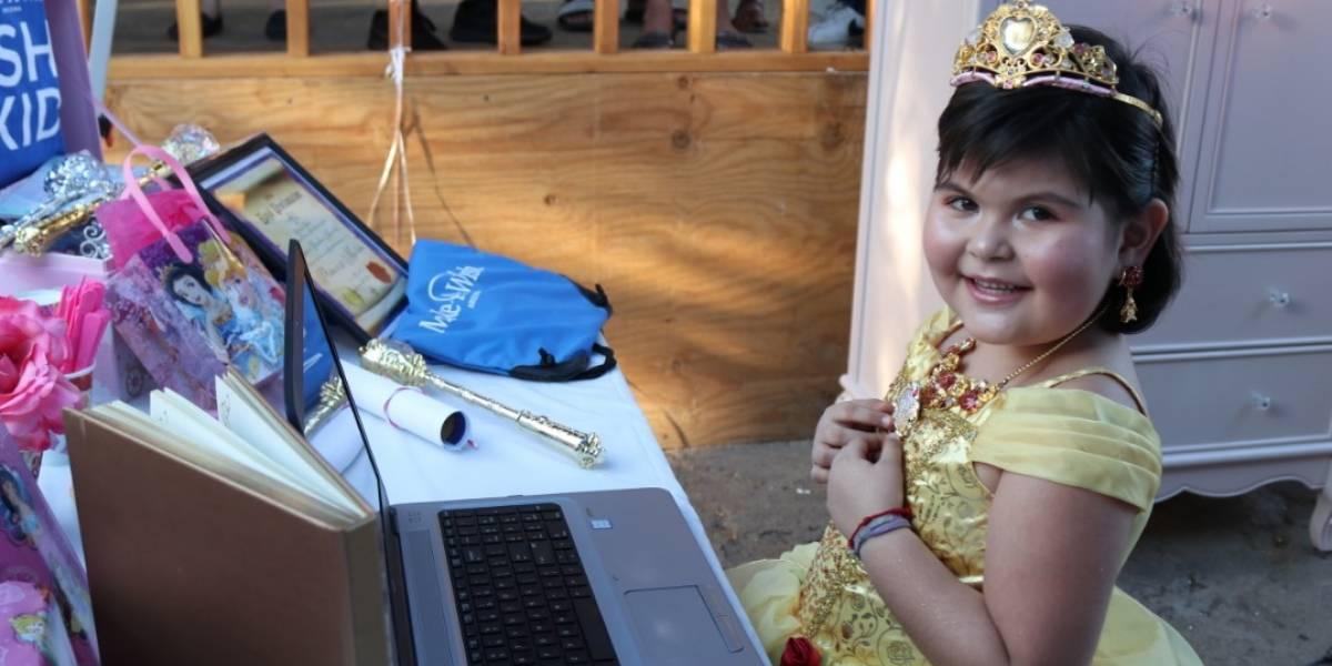Cumplen deseo a niña con leucemia de convertirse en princesa de Disney