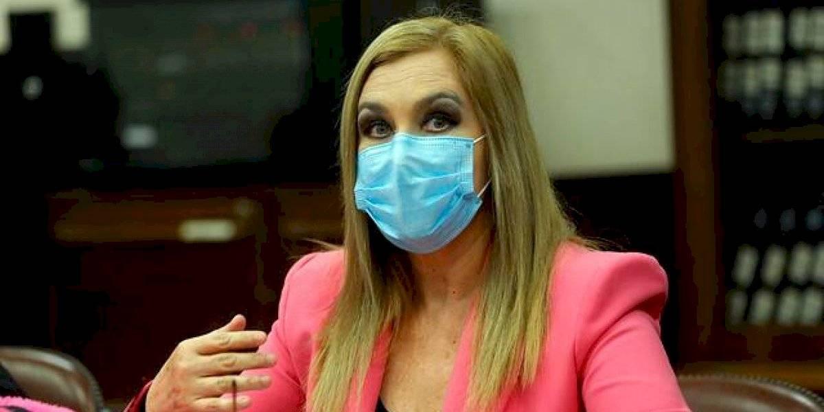 Pamela Jiles anticipa proyecto para un tercer retiro de pensiones y amenaza con otra AC contra Piñera