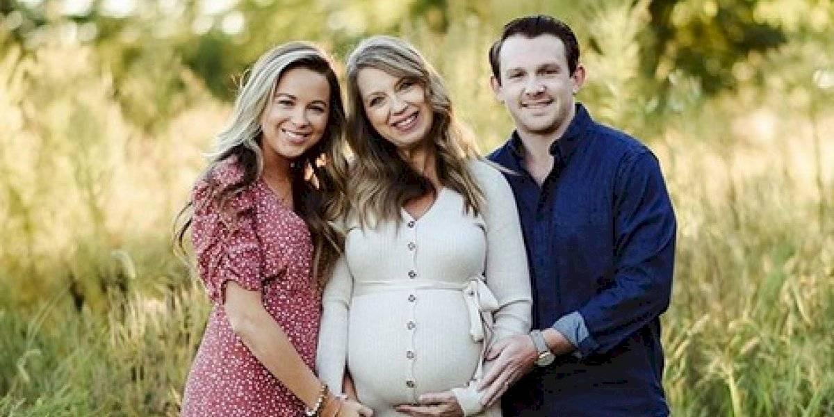 """""""Definitivamente fue un proceso surrealista"""": mujer de 51 años dio a luz a su propia nieta tras prestar el vientre a su hija"""