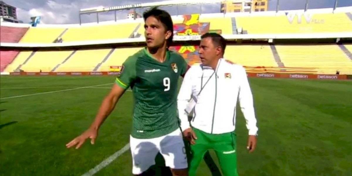 ¡Desencajado! Técnico de Bolivia casi se va a los golpes con jugadores ecuatorianos
