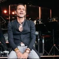 """Marc Anthony arrasa en las plataformas con la versión acústica de """"Un amor eterno"""""""