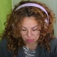 Profesora se quiebra en llanto durante video en vivo al hablar del desinterés de los alumnos en clases: se viraliza