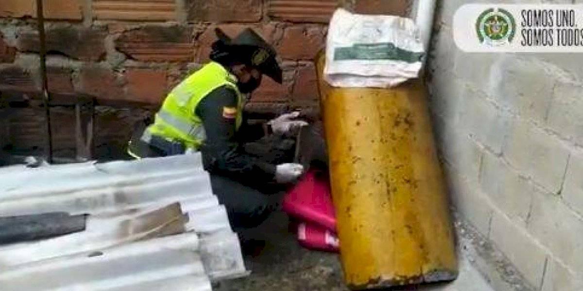 Policía rescató a un perrita que había sido abandonada en una vivienda y a la intemperie