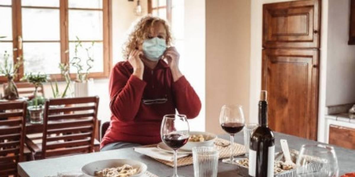 Recomiendan utilizar mascarilla durante fiestas familiares en el día de Acción de Gracias