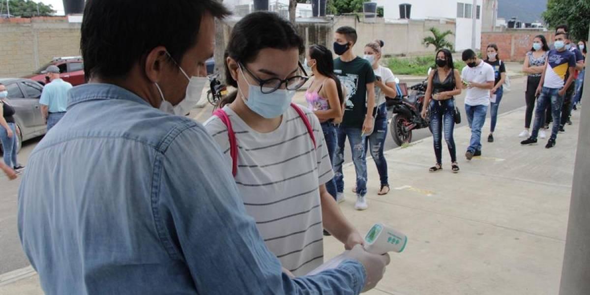 Estudiantes pasaron frontera con Venezuela para presentar prueba Saber 11