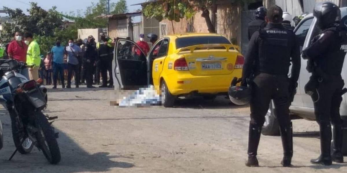 Manta: Hombre asesinó a su expareja y a un taxista, luego se suicidó; Su hija resultó herida