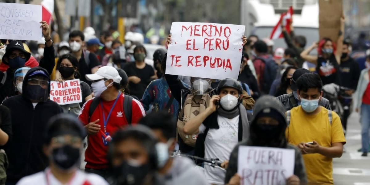 Dos partidos proponen ahora moción de censura contra el presidente Merino y se agudiza la crisis política en Perú