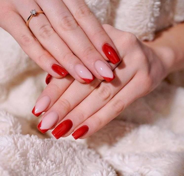 Uñas en tonos rojos