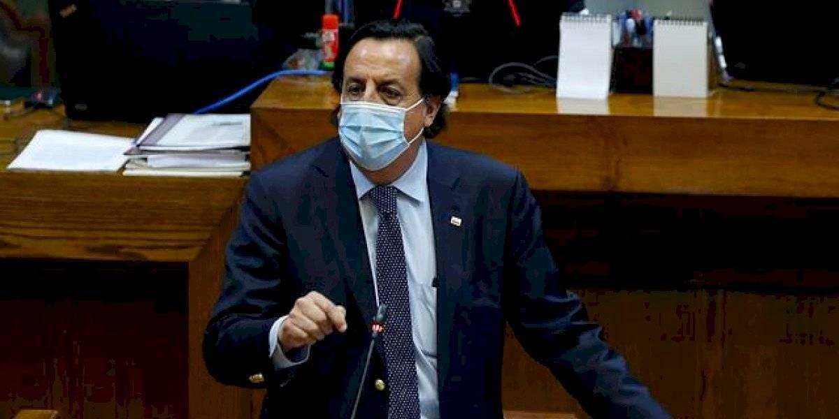 Senado vota este lunes acusación constitucional contra exministro Víctor Pérez