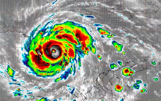 ¡Atención! Providencia, incomunicada por el paso del huracán Iota