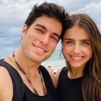 Michelle Renaud comparte video de Danilo Carrera bailando en traje de baño y causa furor en redes