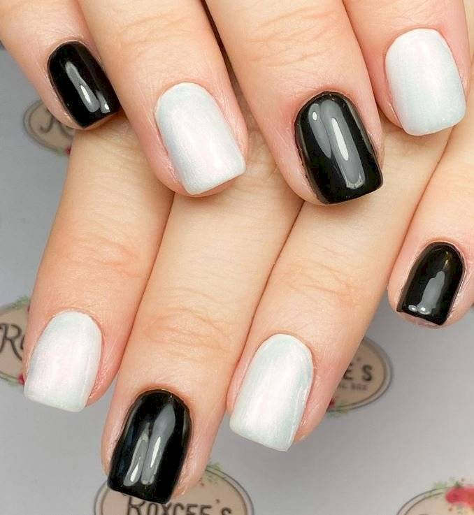 Uñas black and white