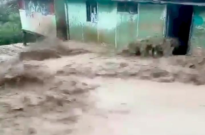 Critican a Claudia López por ofrecer ayuda a San Andrés y no atender inundación en Usme