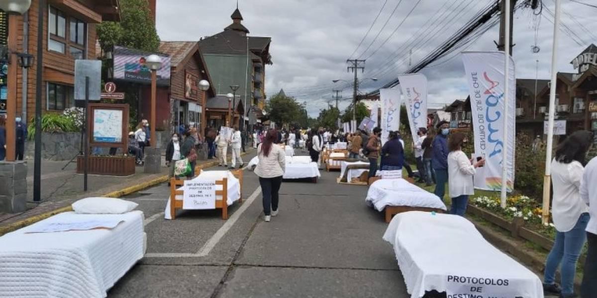 """Gremio del turismo hará un """"camazo"""" para pedir ayuda ante la pandemia: sacarán las camas de los hoteles y hostales a la calle"""