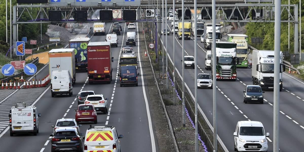 Gran Bretaña prohibirá ventas de autos a gasolina para 2030