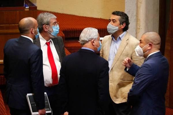 """Desde el Congreso no le dan tregua a Piñera: """"Tiene bastante ignorancia sobre el país que gobierna"""""""