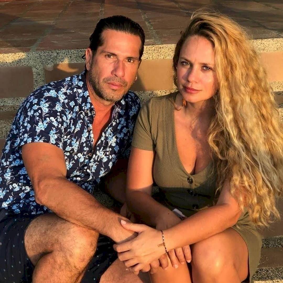Gregorio Pernía y su esposa