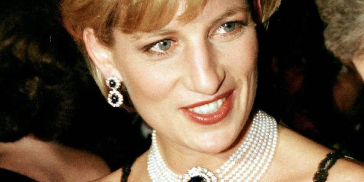 The Crown: este foi o look replicado na série que apresenta a versão mais delicada da princesa Diana