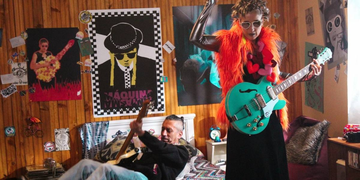 Aterciopelados vuelve a los escenarios con nueva música y celebrando los 25 años de 'El dorado'