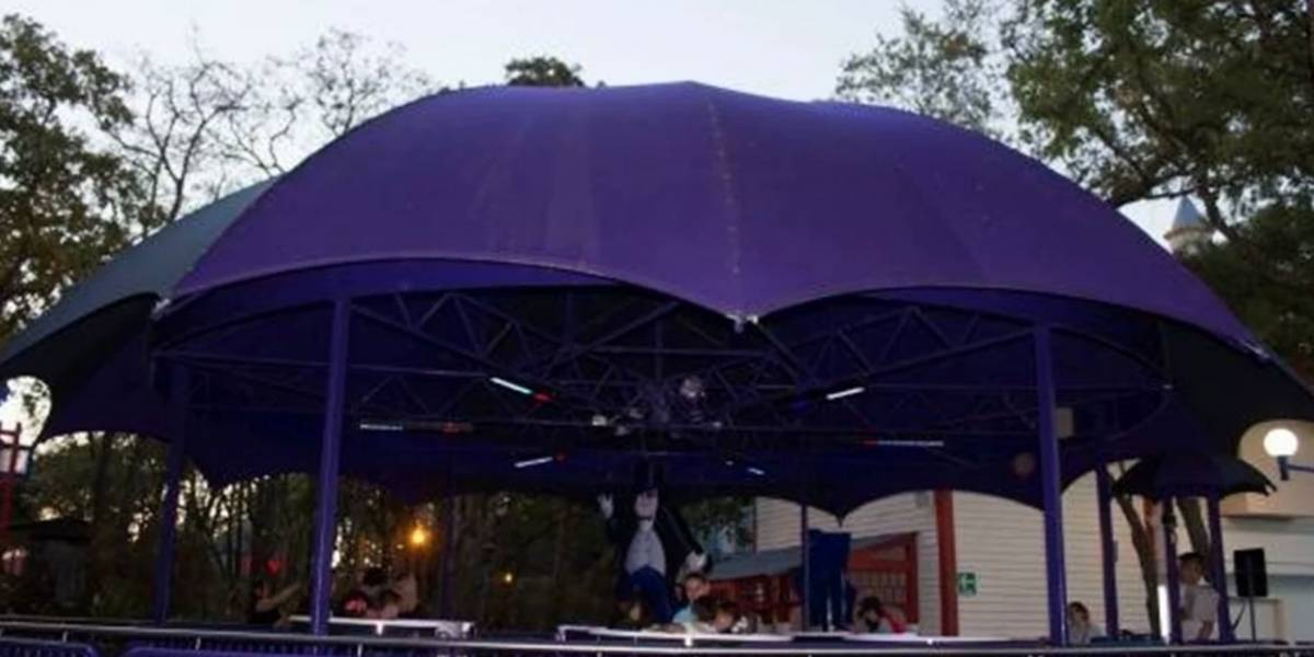 Reportan muerte de joven de 18 años tras salir volando de juego en Six Flags