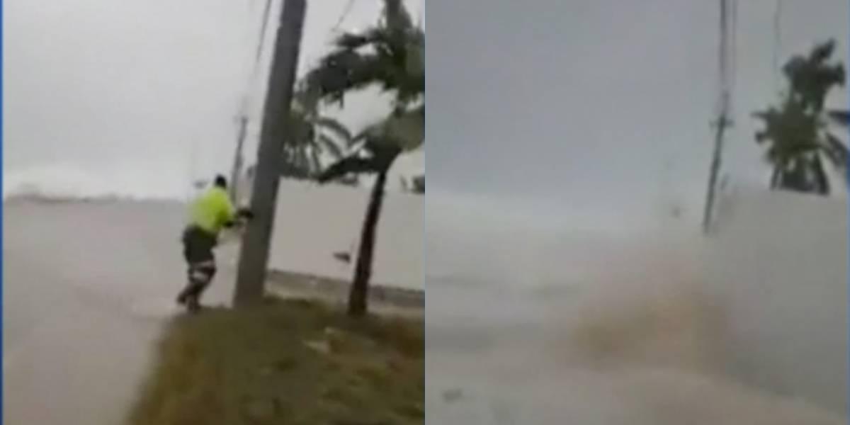 (Video) Policías salvaron a una mujer de ser arrastrada por el mar en San Andrés