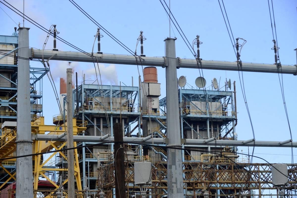 Asoma aumento en la factura de luz desde abril por alza en costo de combustible