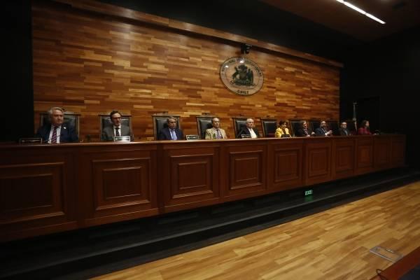 El TC acoge a trámite requerimiento del Frente Amplio contra Ley de Migración