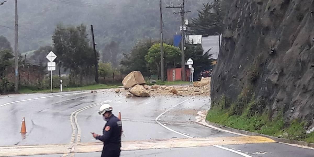 Caída de piedras mantiene bloqueada la vía a La Calera