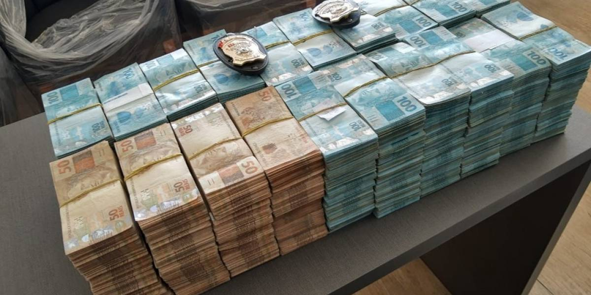 PF encontra R$ 2 milhões em empresa no Ceará