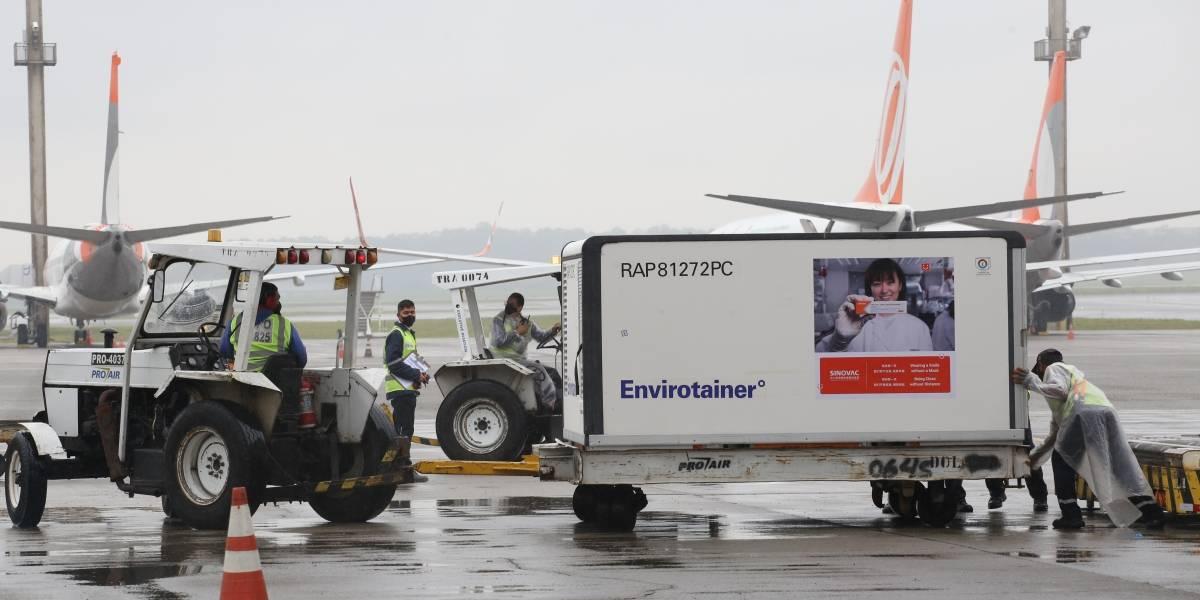 120 mil doses da CoronaVac desembarcam em São Paulo