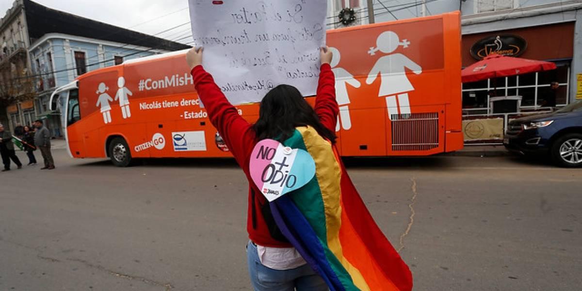 """Otra luz roja para el """"bus de la libertad"""": presidenta del Senado lo frena tras reunión con organizaciones LGBT"""