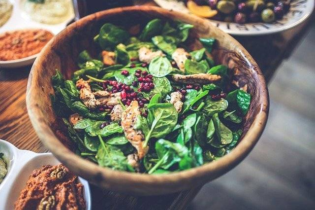 Las deliciosas ensaladas de frutas te ayudarán a mantenerte fuerte y sana