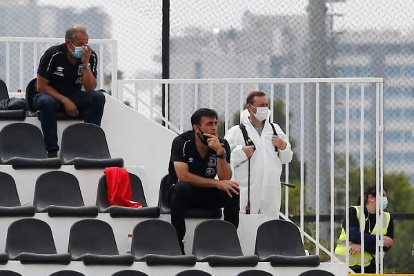 La sacó barata: Gustavo Quinteros recibió dos fechas de castigo por sus insultos al árbitro en el duelo ante Palestino
