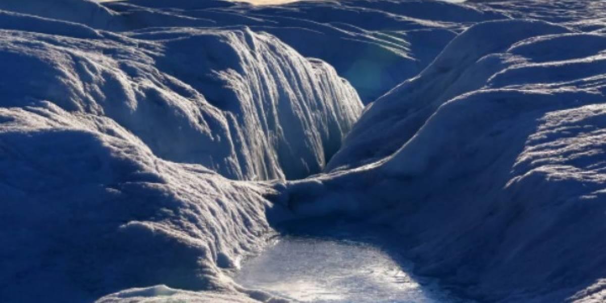 """Ciencia: El misterioso río """"oscuro"""" que corre en Groenlandia, ¿por qué le dicen así?"""