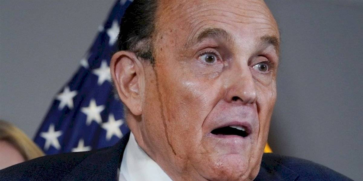 Trump anuncia que Rudy Giuliani da positivo al COVID-19