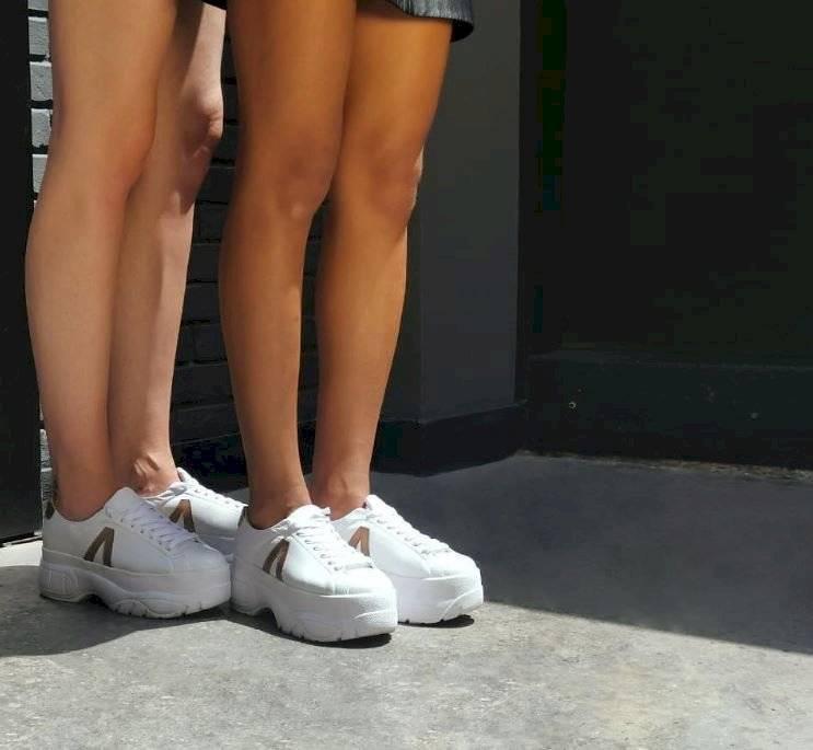 Tenis con plataforma