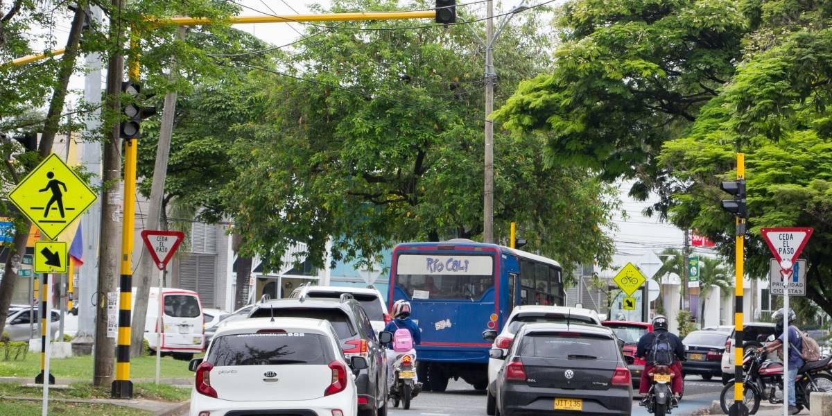 Cali: Volvieron los trancones y los semáforos no ayudan