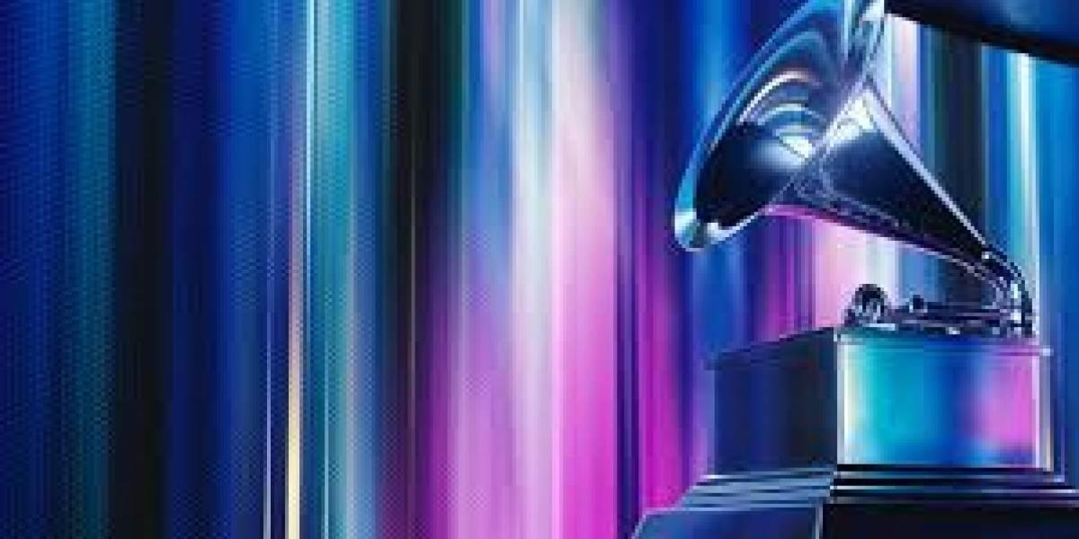 Cantantes puertorriqueños celebran sus triunfos al recibir premios en los Latin Grammys