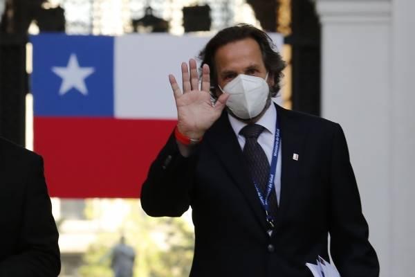 Revientan en redes sociales a subsecretario de Redes Asistenciales por dichos sobre doctora muerta por coronavirus