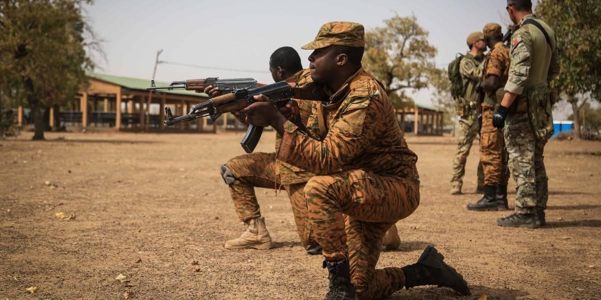 """Burkina Faso.- El líder opositor Diabré hace un llamamiento a la """"transparencia"""" tras votar en las elecciones burkinesas"""