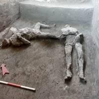 Hallan en Pompeya los restos perfectamente conservados de dos hombres que murieron en la erupción del Vesubio