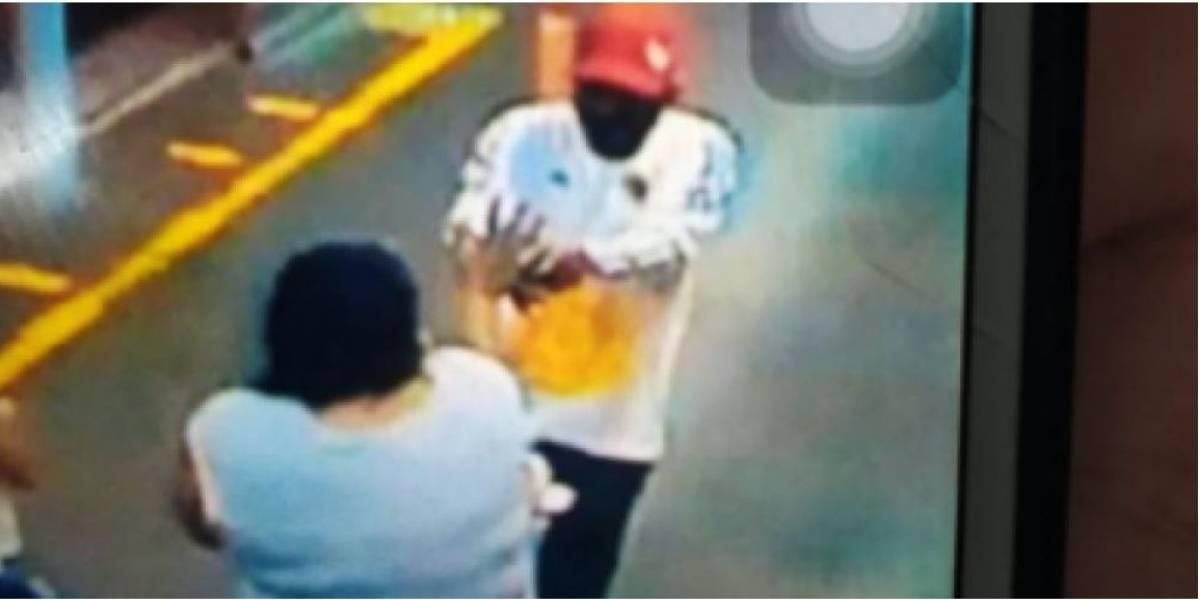 Mujer fue asesinada a disparos dentro de estación del MIO frente a dos niños