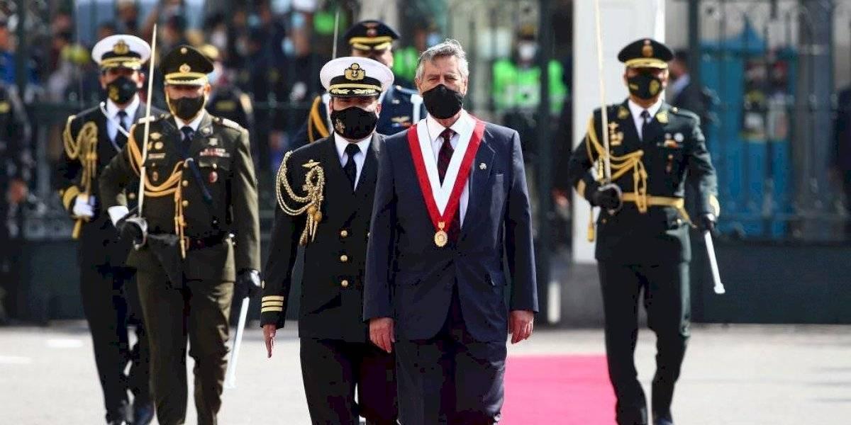 Presidente de Perú, Francisco Sagasti, se reunió con familiares de muertos durante las protestas