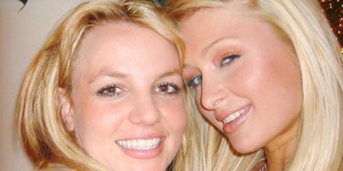 """Paris Hilton asegura que hace 14 años inventó la """"selfie"""" junto a Britney Spears"""