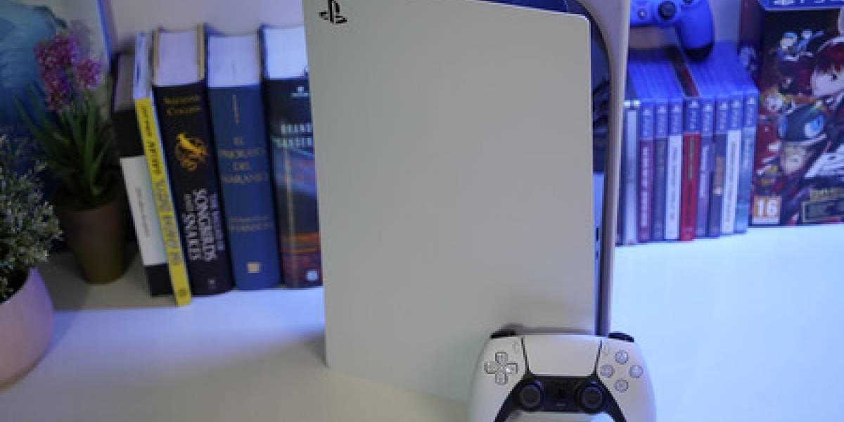 PlayStation 5: un padre pasó 13 horas con 8 monitores para reservar una consola