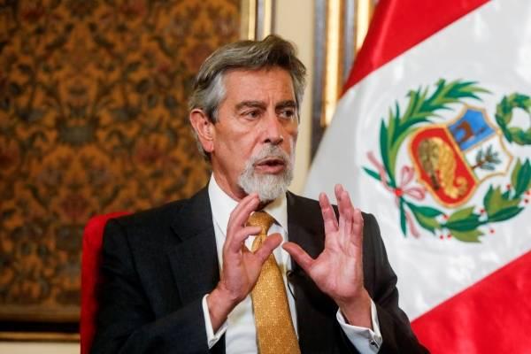 Nuevo presidente de Perú anuncia reforma a la policía tras represión y muerte de manifestantes