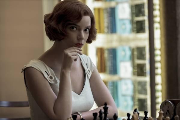 """""""Gambito de Dama"""" rompe todos los récords al convertirse en la serie más vista en la historia de Netflix"""