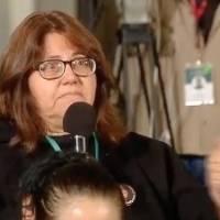 Mujer rompe en llanto en conferencia de AMLO y le pide detener el feminicidio