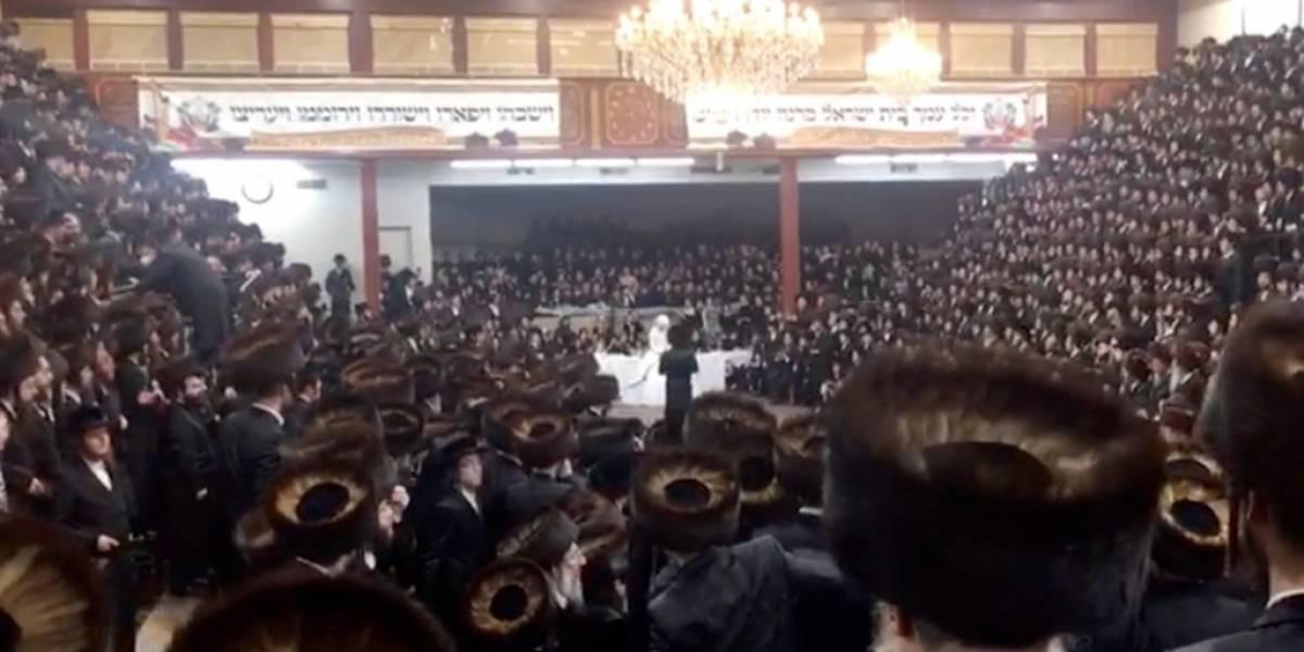 Judíos celebraron una boda con 7.000 asistentes y sin usar mascarillas en Estados Unidos