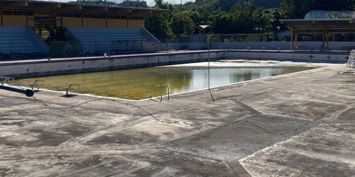 Exigen a Recreación y Deportes reparar piscina olímpica en Arecibo